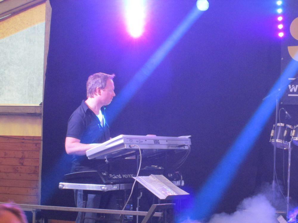 Christan Kaspers am Keyboard.