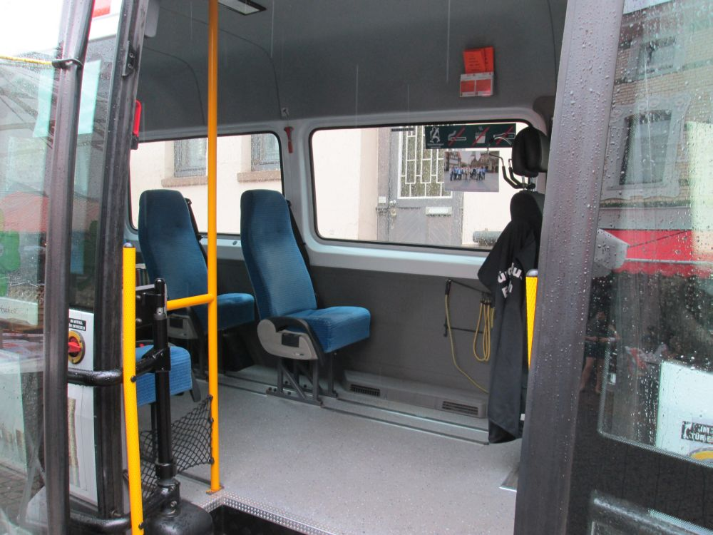 Blick in den Bürgerbus Erkrath (Rheinbahn-Wagen 9014).