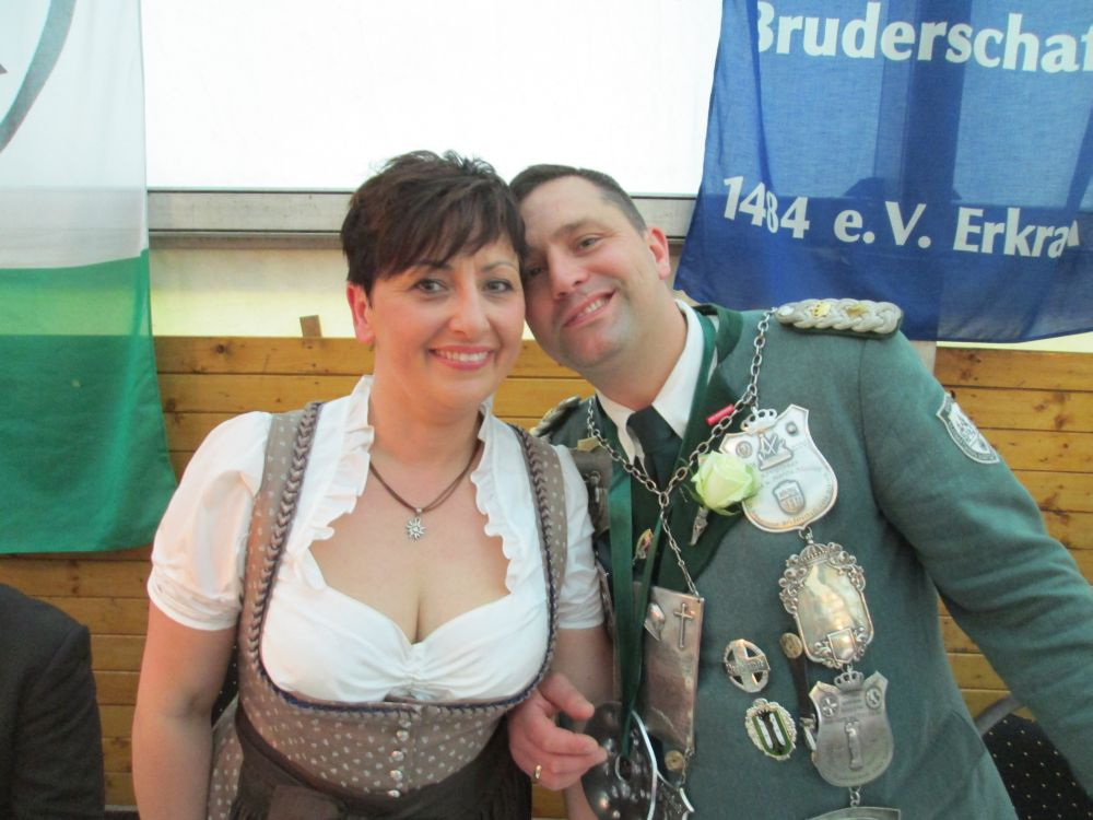 Königspaar 2015: Tina und Dirk Hanten, kurz nach dem Einzug ins Festzelt.
